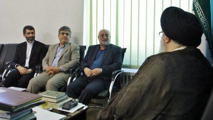 دیدار رئیسکل دادگستری البرز و دادستان کرج با آیت الله حسینی همدانی