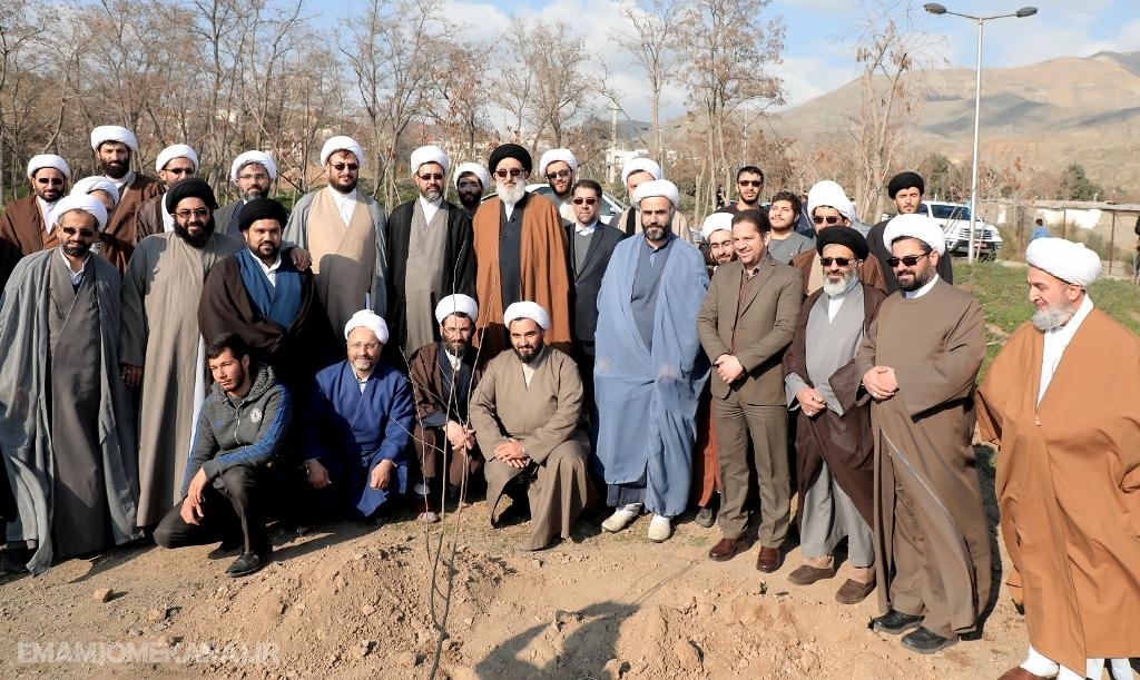 مهمتر از کاشت درخت حفظ و نگهداری آن است / کاشت نهال محدود به هفته درختکاری نشود / فرهنگ حفاظت از محیطزیست نهادینه شود