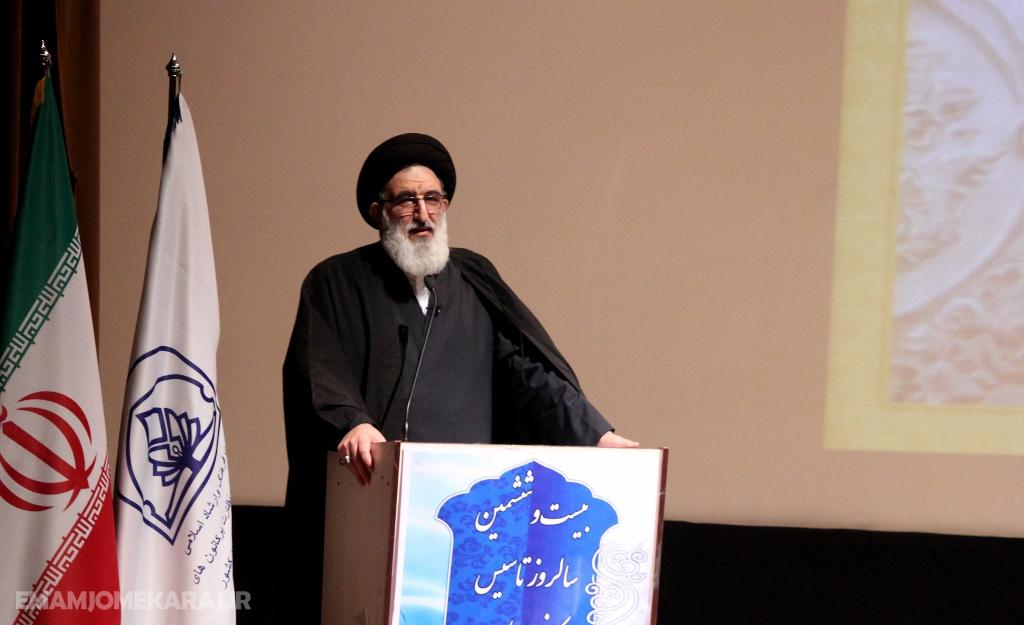 بزنگاه کلام رهبر معظم انقلاب در بیانیه «گام دوم» جوانان هستند / ارتباط بین مسجد، مدرسه و منزل تقویت شود