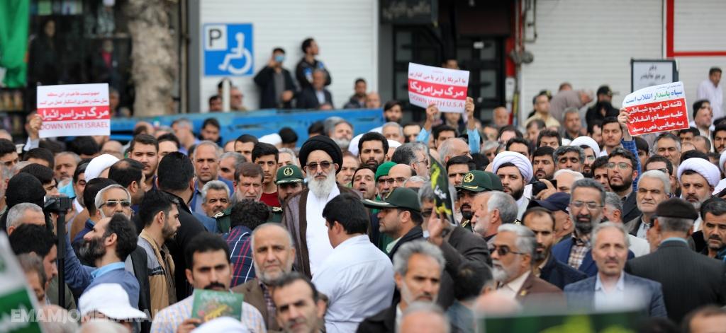 حضور پرشور نمازگزاران کرجی در راهپیمایی حمایت از سپاه پاسداران