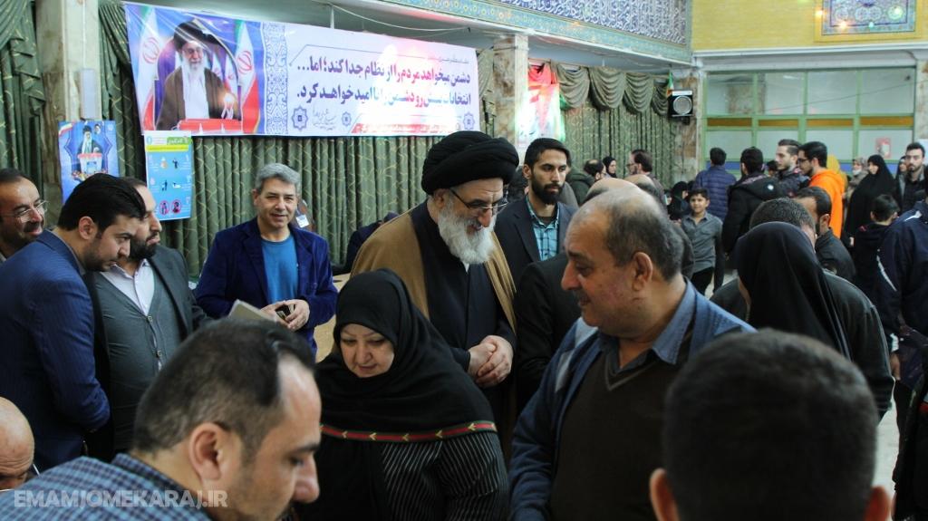 بازدید نماینده ولیفقیه در استان البرز از شعب اخذ رأی